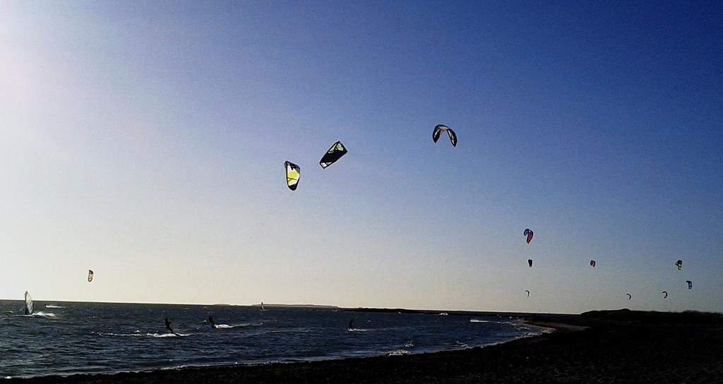 Tommy Gaunt's 10 best Australia kiteboarding destinations flickr image by Neelaka