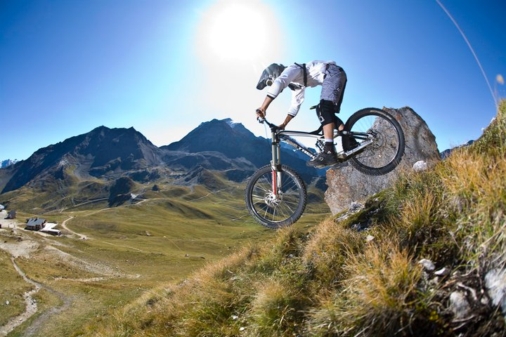 review of Les arcs mountain biking holiday in Arc 1950 ©Scalp Les Arcs