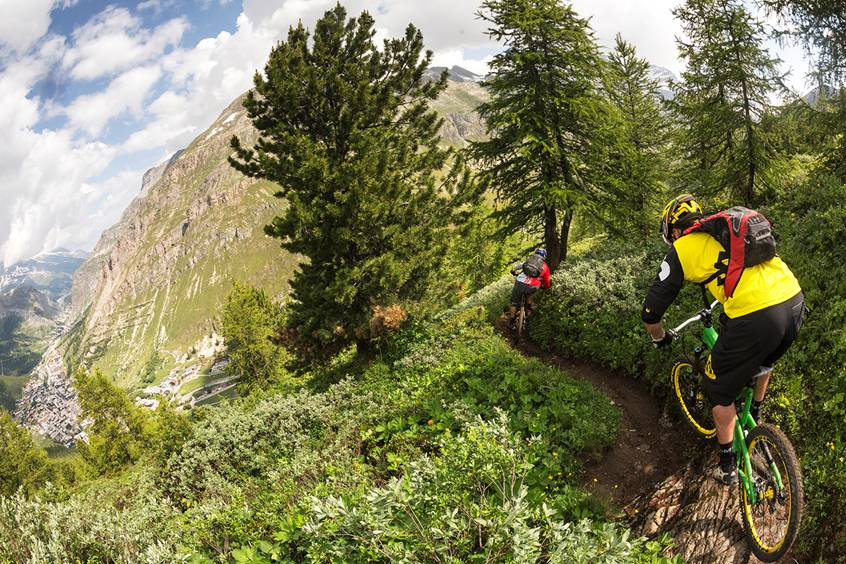 Whitebeam Chalets discount: 10% off MTB holidays in Les Arcs