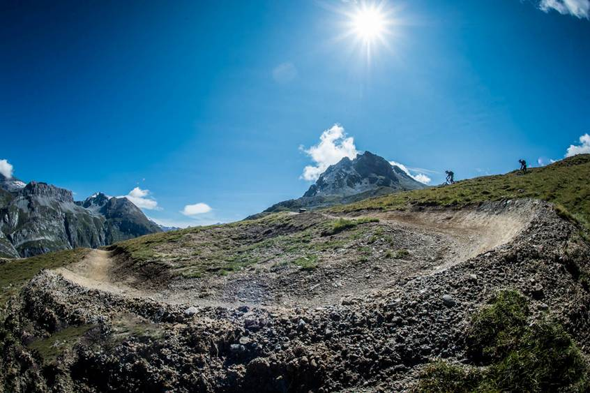review of Les arcs mountain biking holiday in Arc 1950 downhill ©Les Arcs