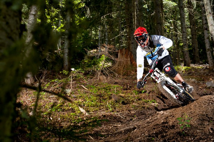 review of Les arcs mountain biking holiday in Arc 1950 single track ©Scalp Les Arcs