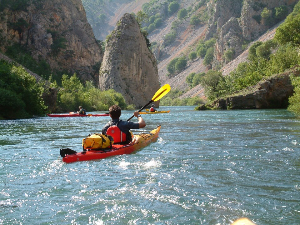 Huck Finn Adventure Travel Discount: 10% off Kayaking