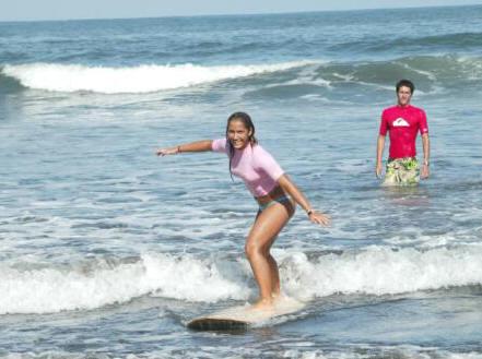 Academia Surpacifico Discount: 5% off Surfing