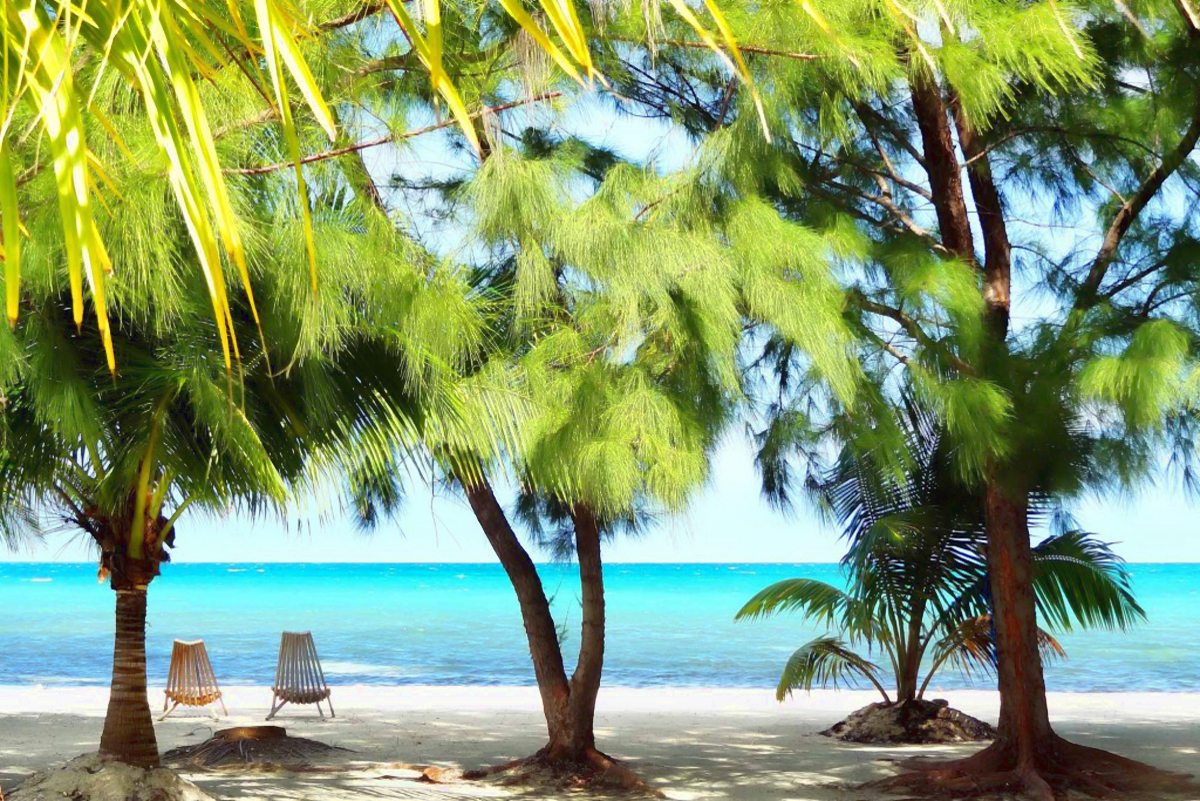 Fantasy Island Eco Resort discount: 10% off scuba diving in Belize