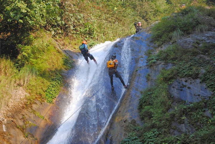 GRG's Adventure Kayaking discount: 10% off canyoning in Nepal