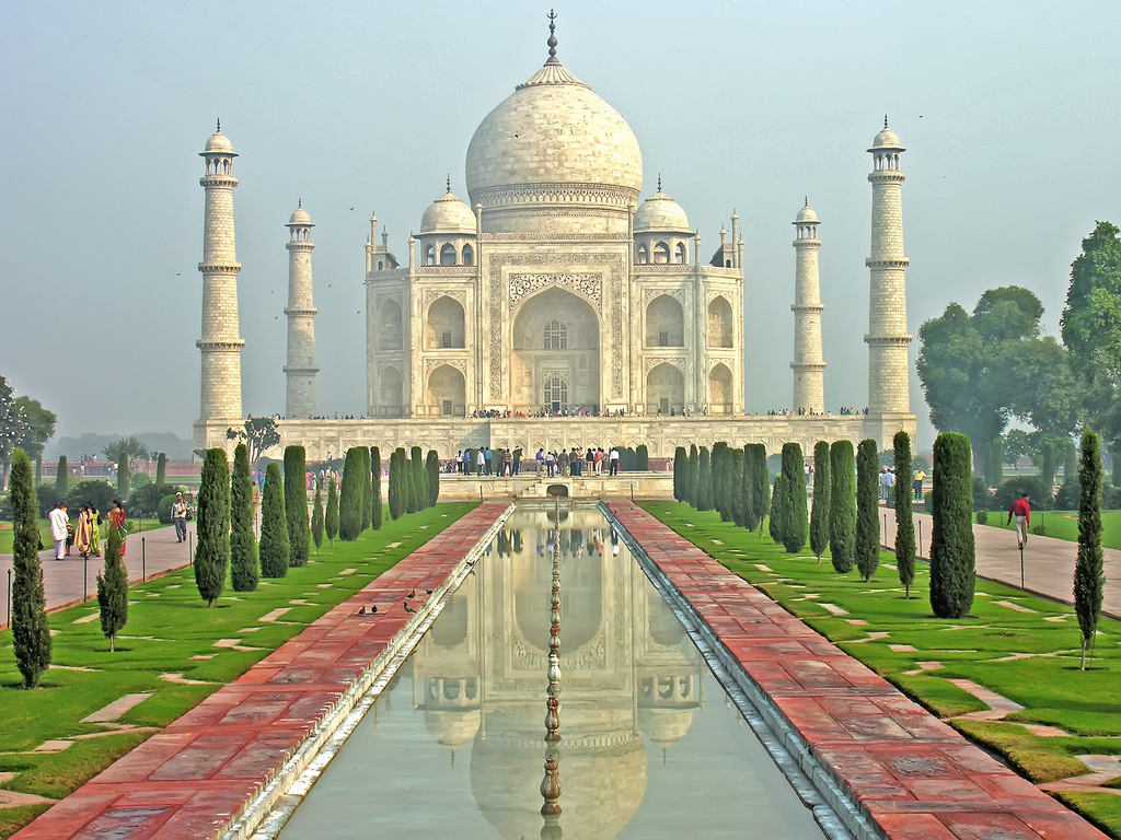 Luxury India adventure holidaysvs cheap Indian adventures Flickr image of Taj Mahal by Dennis Jarvis