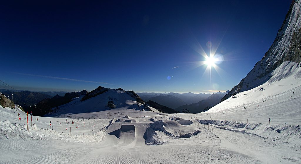 Austrian shred in Saalback Hinterglemm one of the 16 best Austria snowboarding holiday destinations Flickr CC image by aLindquist