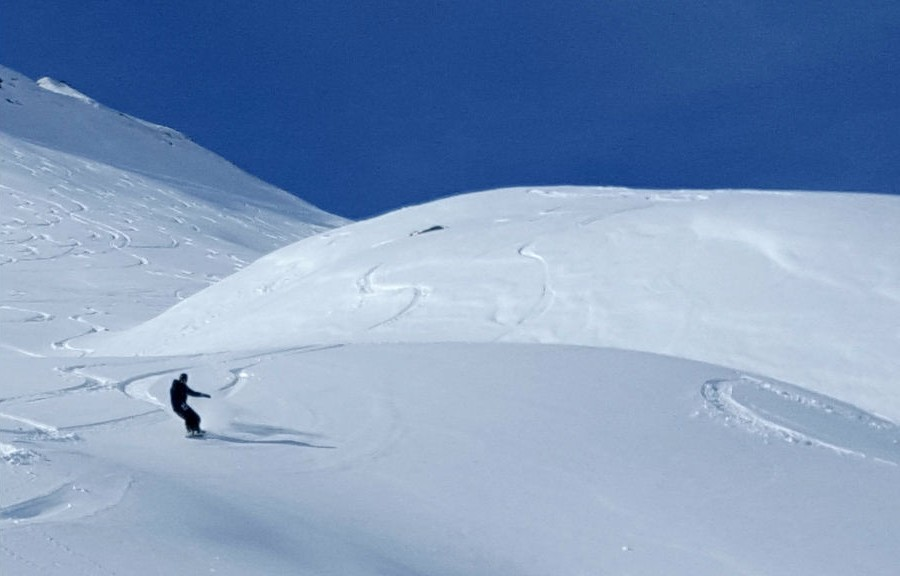 Review of Morzine freeride snowboarding holiday in Portes du Soleil