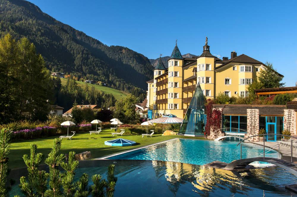 Four peak challenge Dolomite hiking holiday in Val Gardena - Adler Dolomiti Hotel
