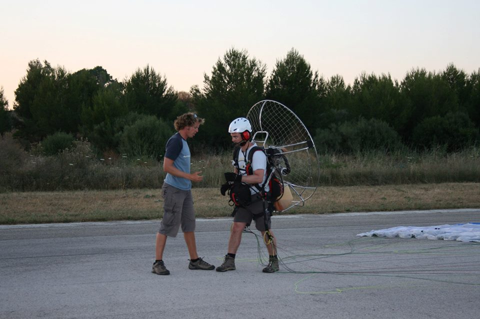 Learn to paramotor on a paramotoring course in Spain image courtesy of FlySpain