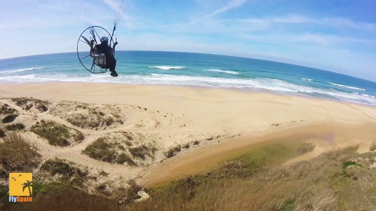 Learn to paramotor on a paramotoring course with FlySpain