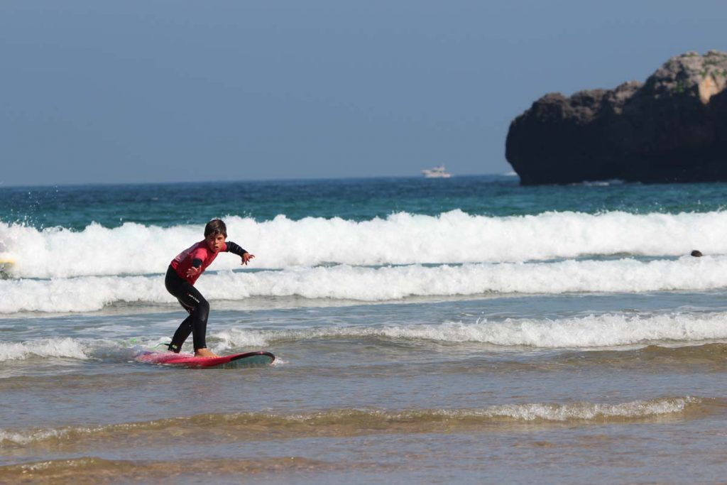 Noja image courtesy of Escuela de Surf Ris
