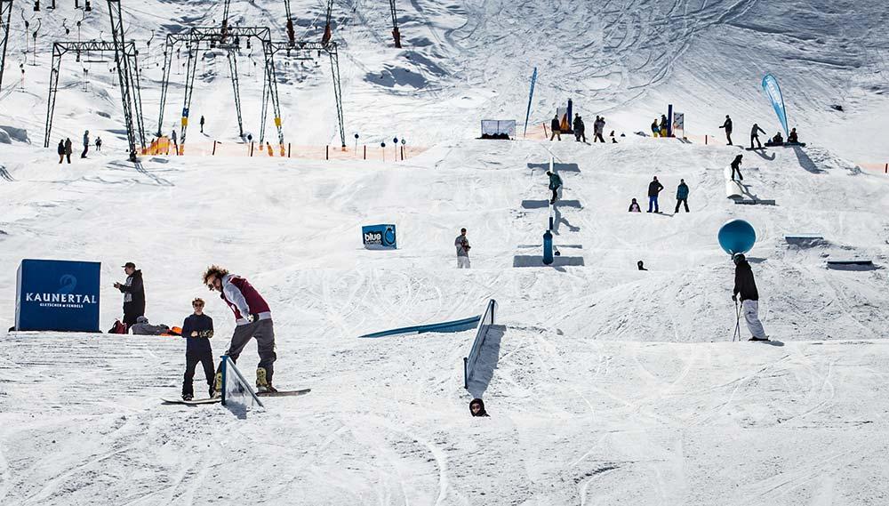 Review of Kaunertal snowboarding holiday at Hotel Kirchenwirt image courtesy of Kaunertal
