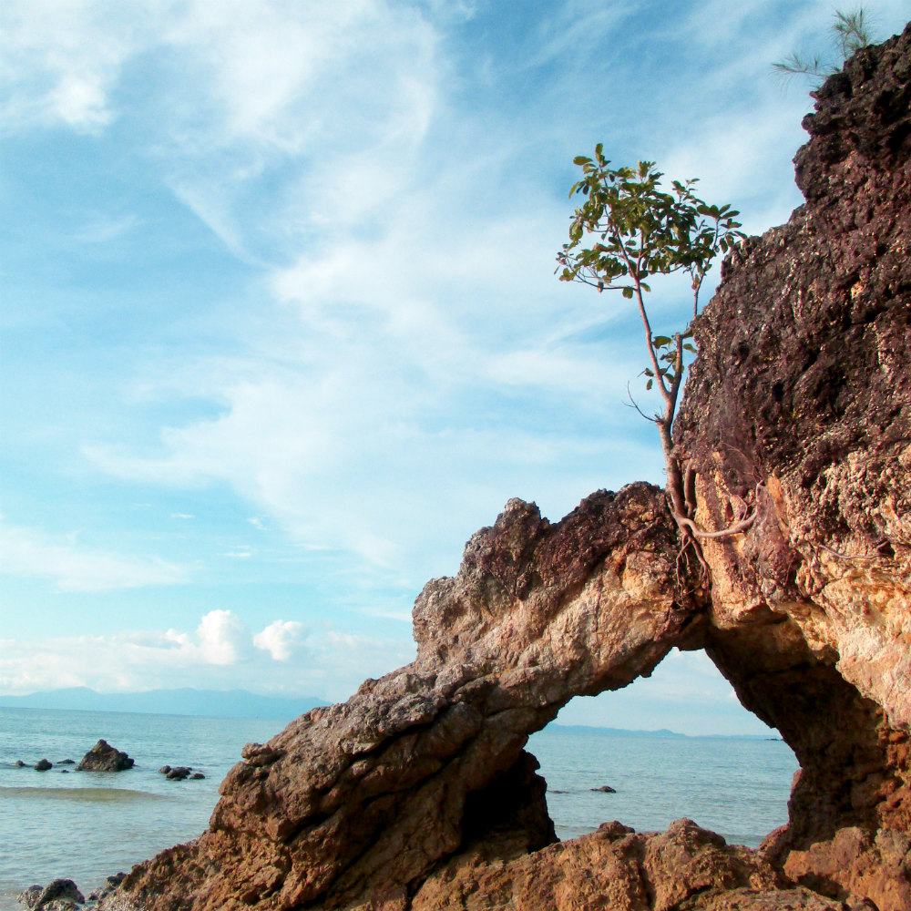 Phayam Lodge review Relaxed Thai adventure holiday on Koh Phayam coastline