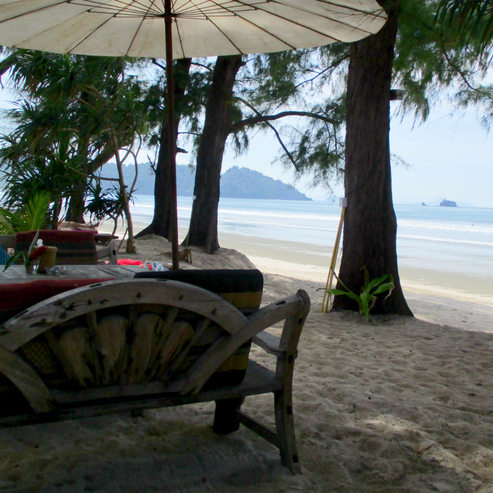 Phayam Lodge review Relaxed Thai adventure holiday on Koh Phayam restaurant