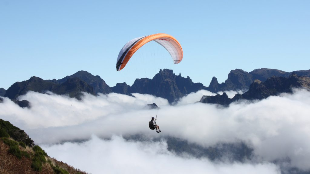 Paragliding Madeira adventure holidays: 10 best Madeiran activities (C) Madeira Regional Tourism Board