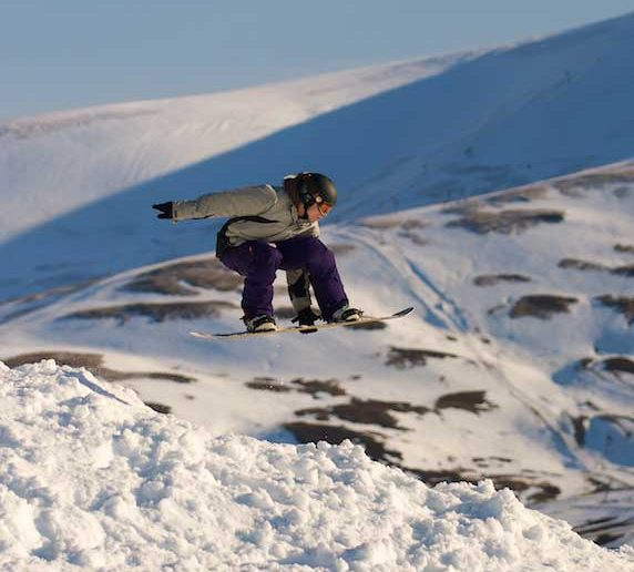 Guide to Glenshee snowboarding in Scotland image courtesy of Glenshee ski resort