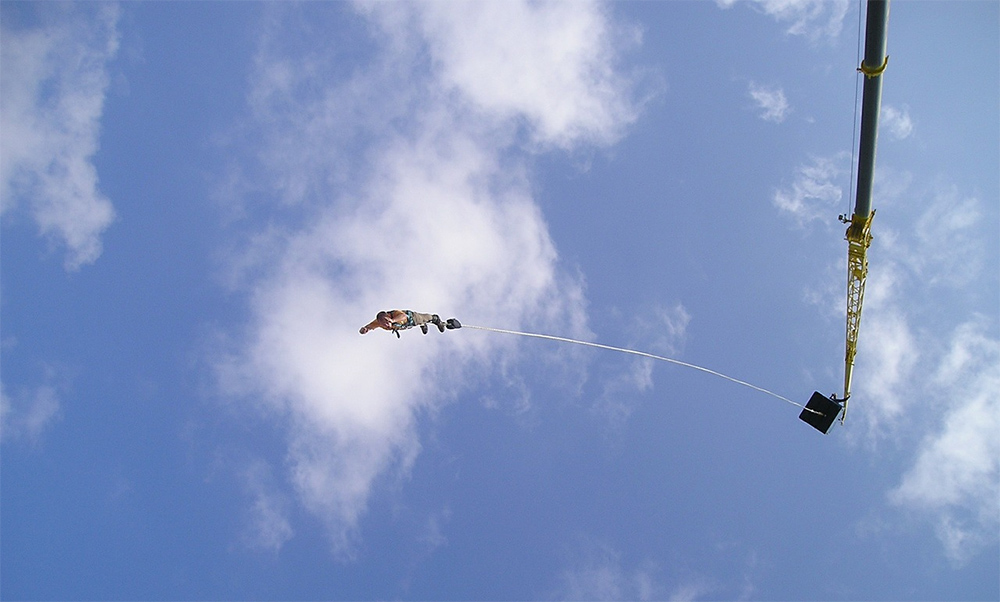 Why try bungee jumping? 5 reasons to take the leap of faith