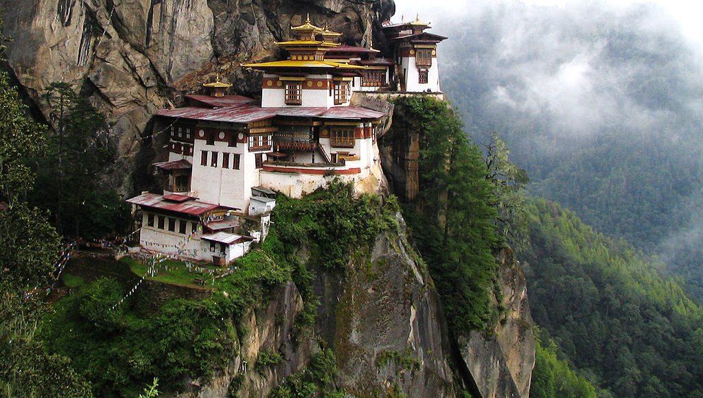 Chomolhari and the Tiger's Nest: Best Himalaya trekking holidays image courtesy of Wikimedia Commons