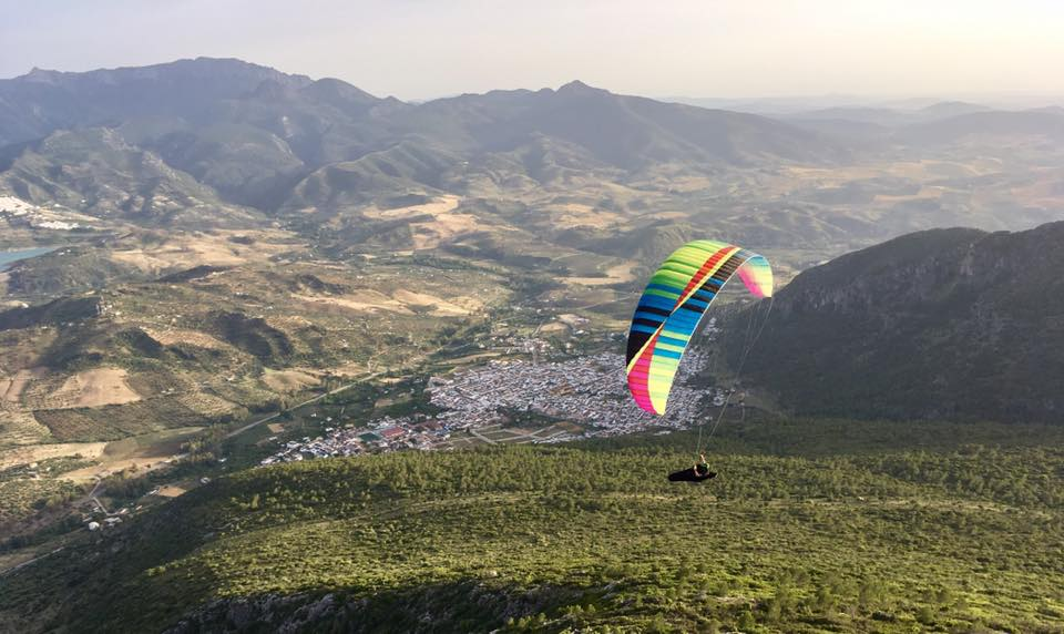 Andalucia paragliding holidays Learn to paraglide in Spain image courtesy of FlySpain