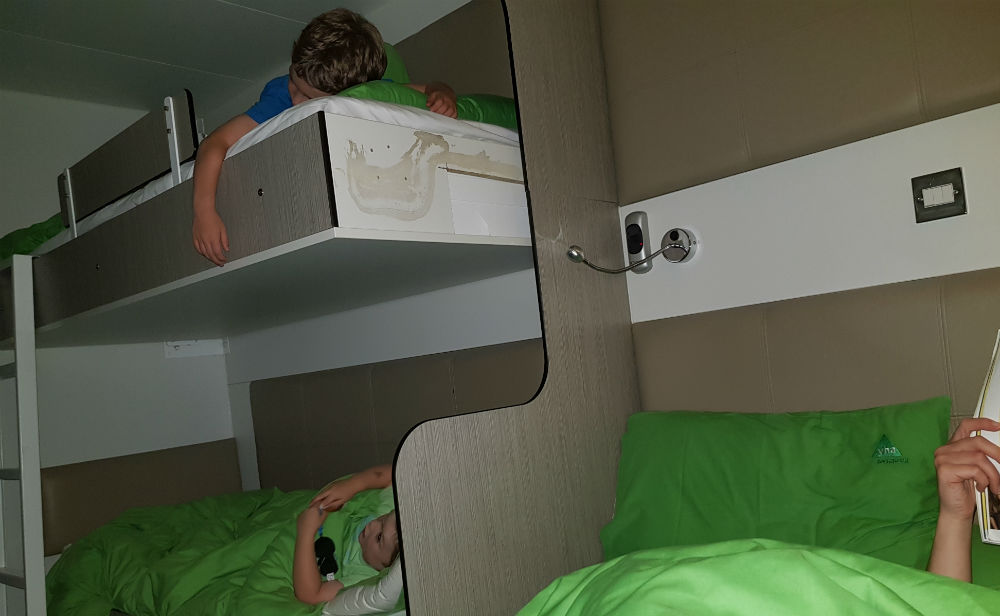 Night in a YHA family SnoozeBox review of YHA Eden Project