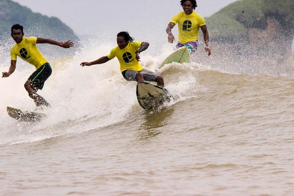 Bali surf instructor course ISA Level 1 and Lifeguard qualifications Image courtesy of Solid Surf House