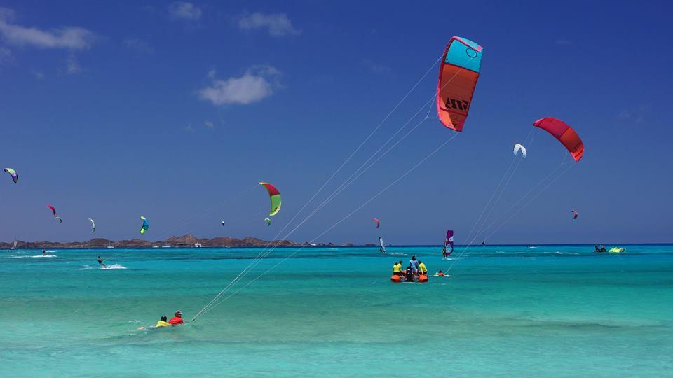 Flag Beach Corralejo kitesurfing Fuerteventura kitesurf holiday image courtesy of Flag Beach watersports centre