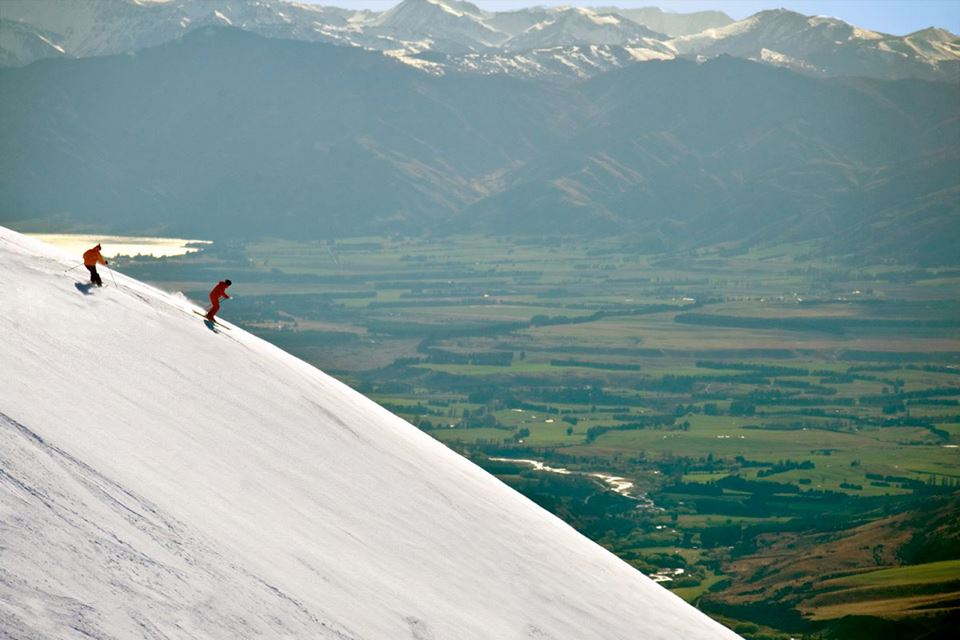 Haka Tours discount 5 percent off skiing tours in New Zealand