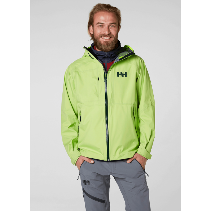 Front view of the fit on the Vanir Baldur jacket by Helly Hansen
