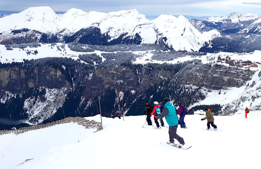 Review of Elevation Alps Chalet Kapa snowboard holiday in Morzine heading to Prodains