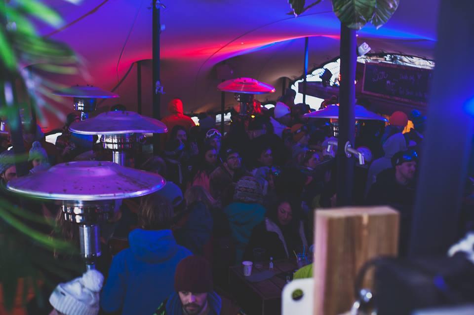 Happy Hours Bar in Ardent in Portes Du Soleil