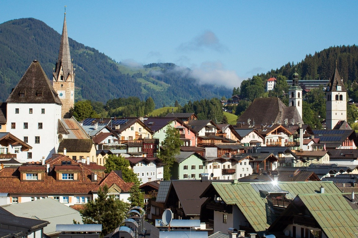 Like to visit a casino when skiing? Try Kitzbuhel where there is one of the best casinos in ski resorts