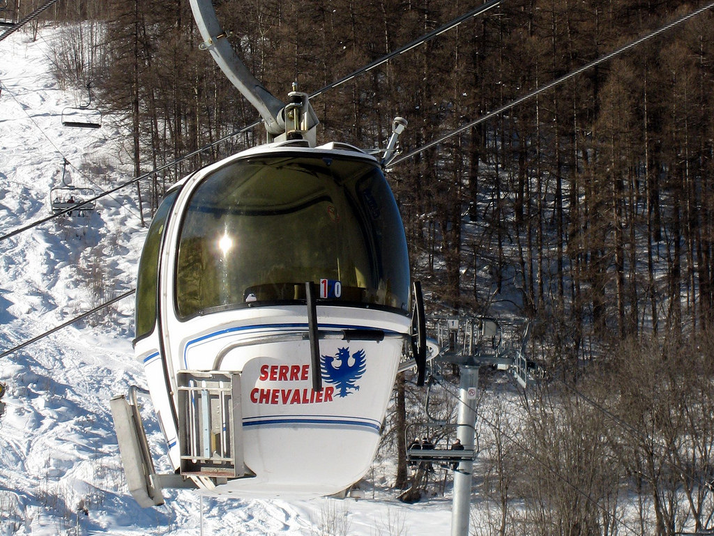 Serre Cevalier - low cost skiing holidays - FlickrCC image by fred_v