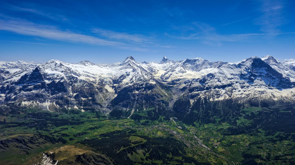 Grindelwald, Jungfrau one of the best paragliding sites in europe - Flickr CC image by Jonas Wagner