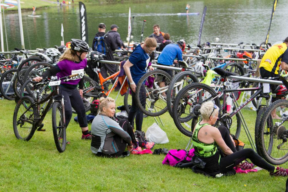 Bewl Water off road triathlon in England supbikerun transition