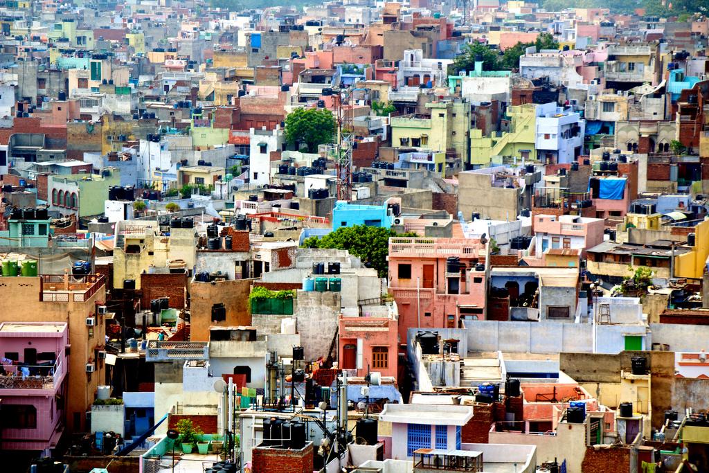 Luxury India adventure holidaysvs cheap Indian adventures Flickr CC Image of Delhi by José Morcillo Valenciano