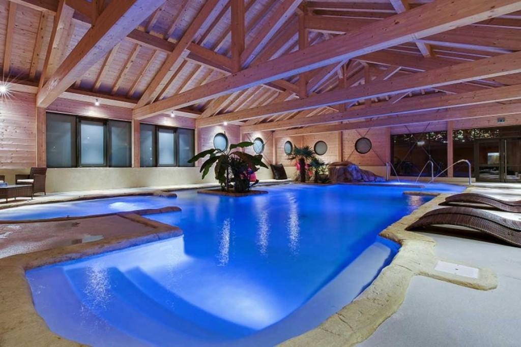Les Menuires snowboarding review hotel le menuire and spa