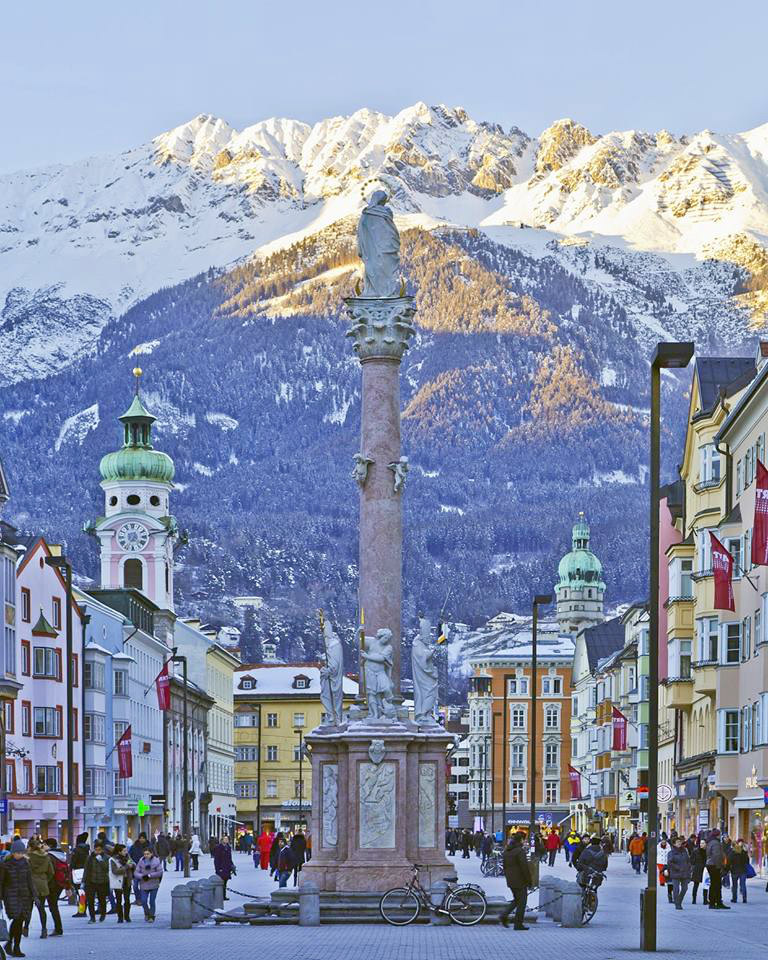 Old town in Innsbruck. Image courtesy of Innsbruck Tourism