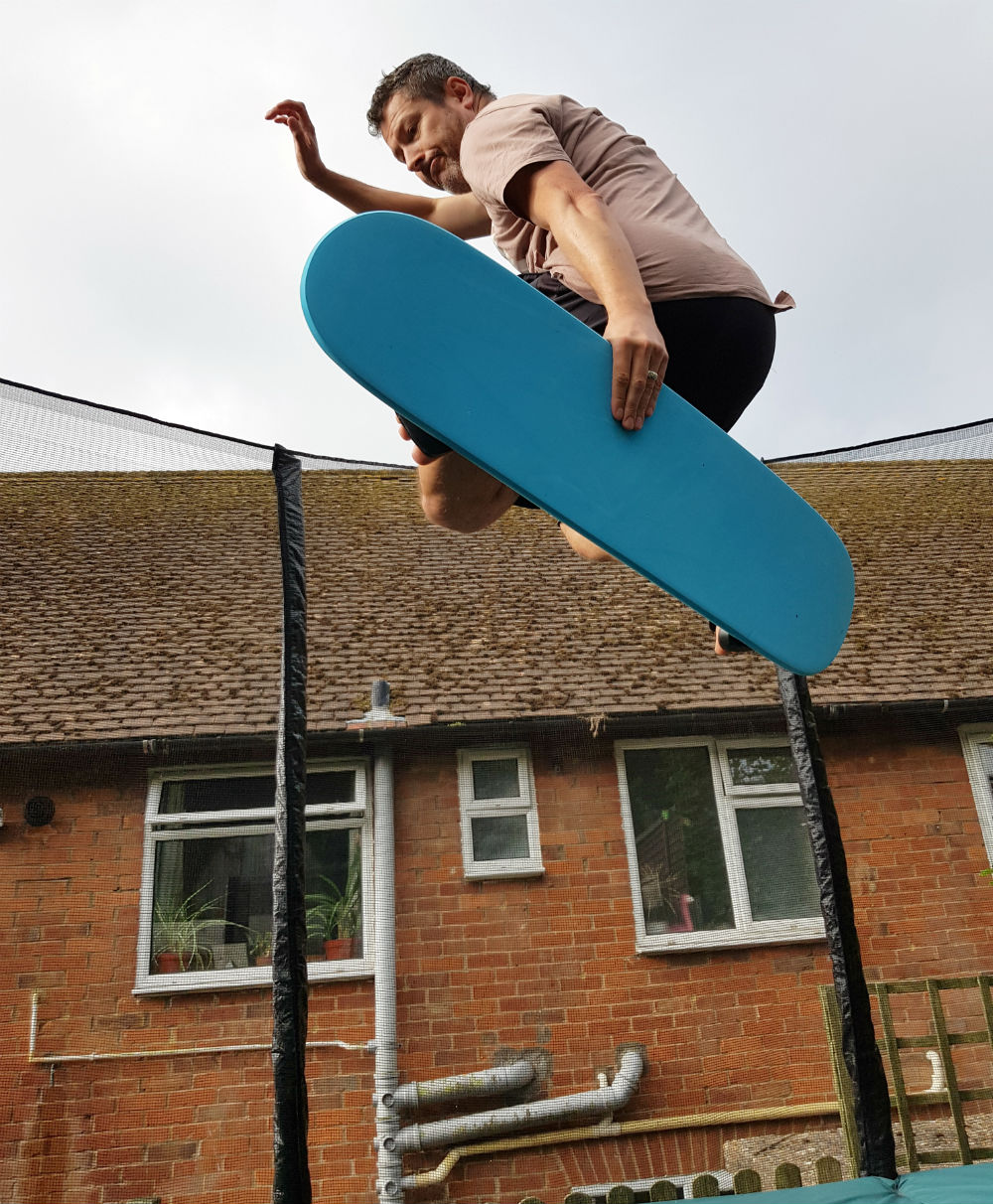 Review of Snowboard Addiction Tramp Board Home snowboard training - Melon grab