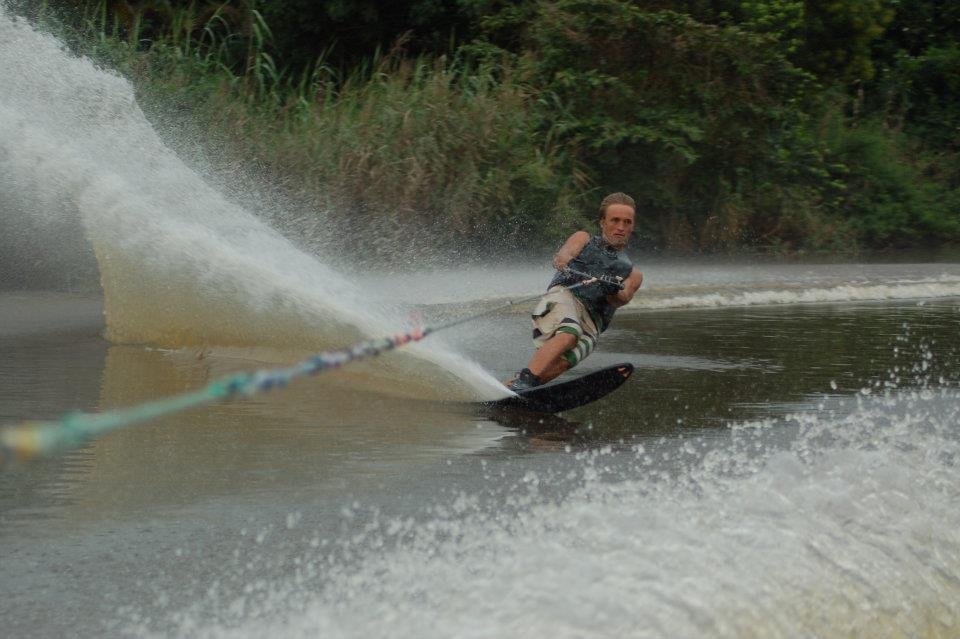Sri Lanka SUP holidays in Negombo waterski slalom Image courtesy of Discover a dream spot