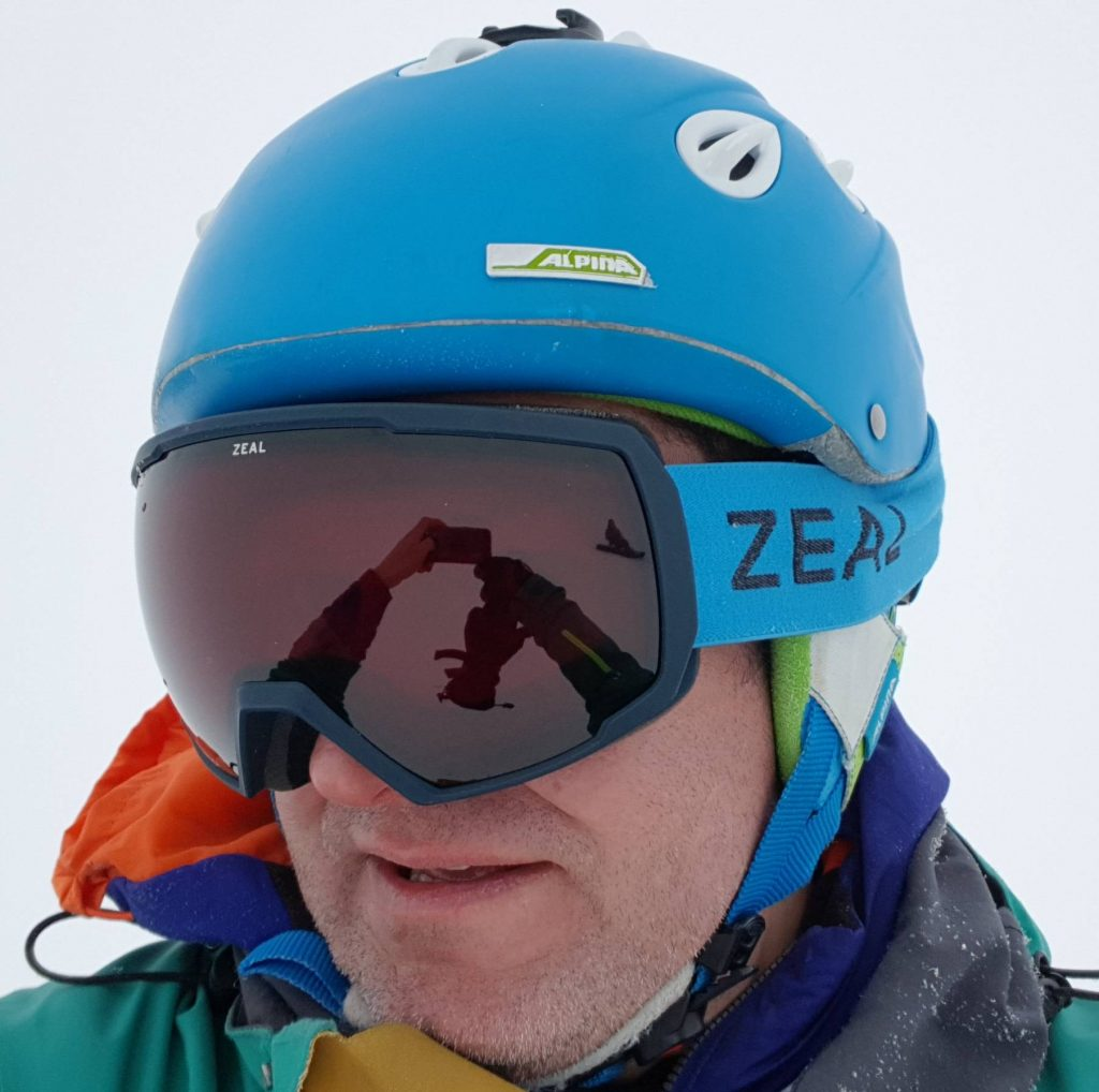 Review of Zeal Nomad Polarized automatic light changing goggles in Les Menuires