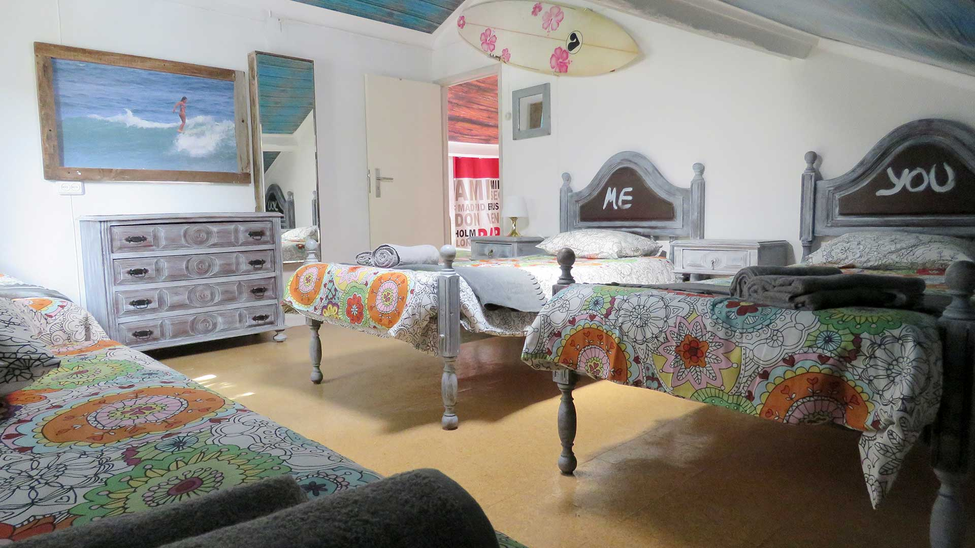 Incredible Planet discount 10 percent off surfing holiday in Costa de Caparica