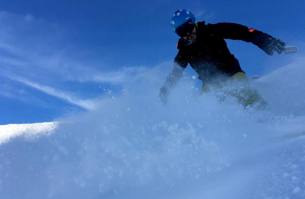 Review of Ischgl snowboarding in December powder spray