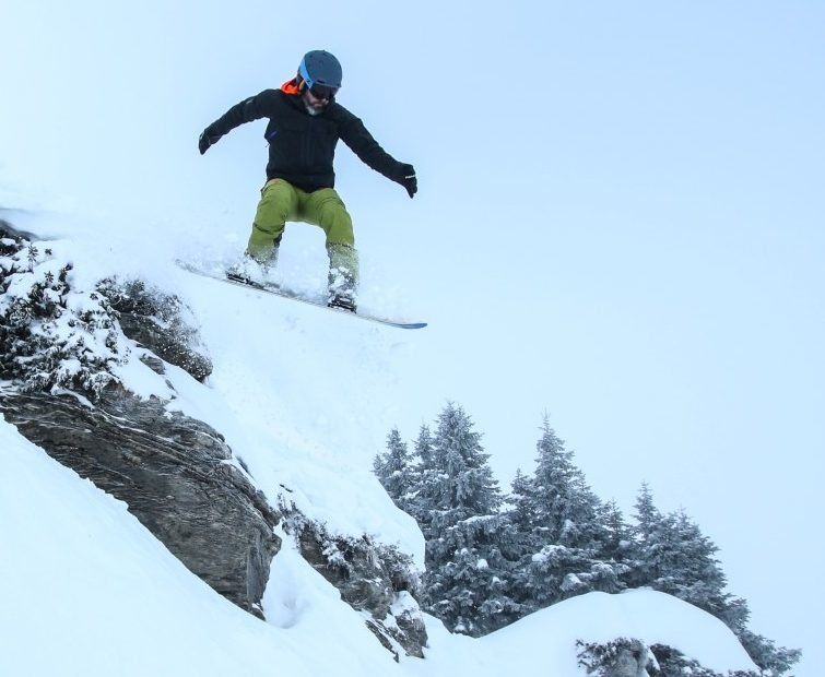 Review of Snowparking: More Mountain snowboard camp in Morzine rock drop photo by Number97 Thomas Humpage Photography 2