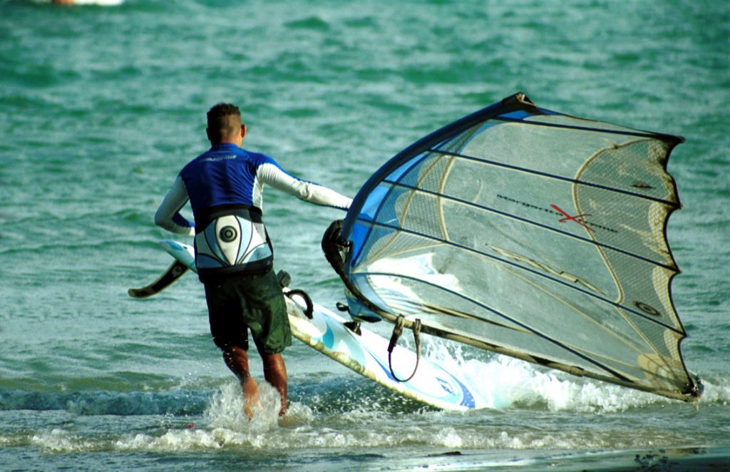 El Yaque in Margarita = Windsurfing holiday in paradise Wikicommons public domain image