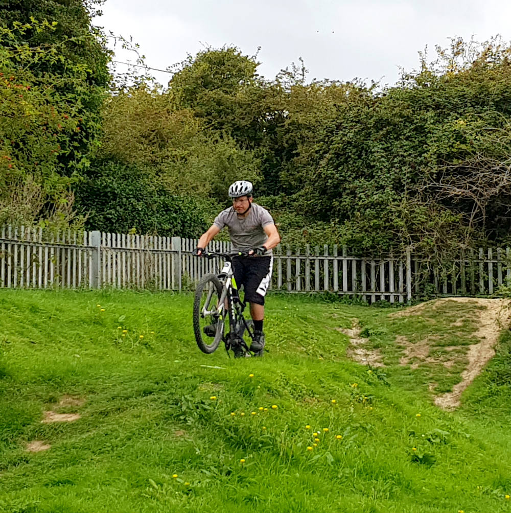 BTWIN Rockrider 560s review at Newhaven pump track