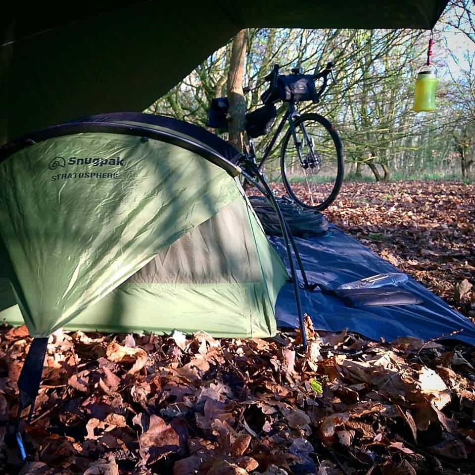 Winter camping sleep system used by cyclist bikepacking. Credit @hippyswift