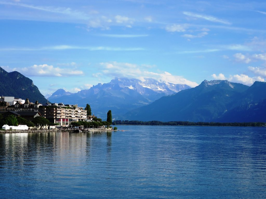 best wakeboarding spots in Europe - Lake Geneva CC image pixabay