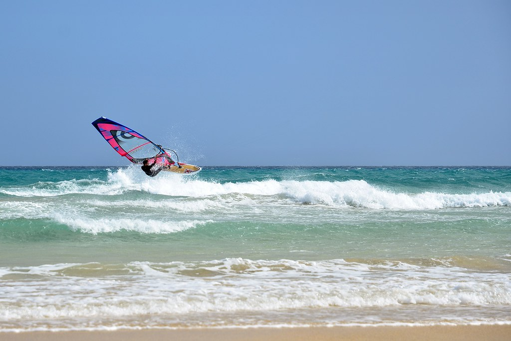 best canary islands windsurfing destinations Flickr CC image from sotavento Fuerteventura by dirkvorderstrasse