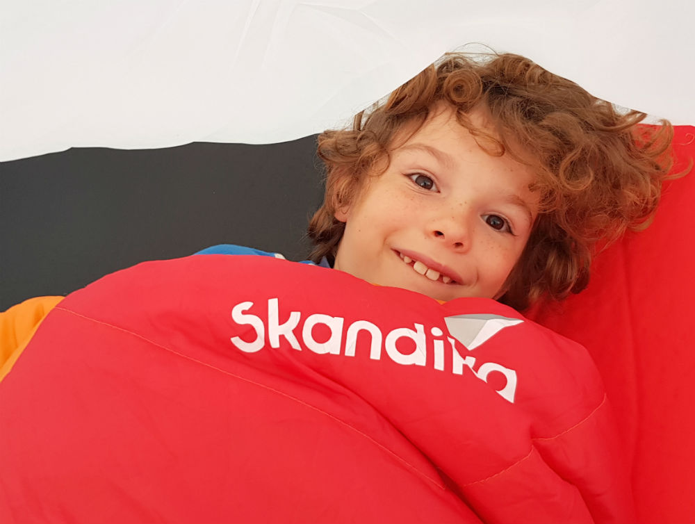 8 year olds review of Sleeping bag and mattress by Skandika